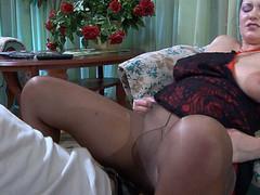 Emily&Benjamin older pantyhose clip
