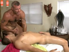 This gay chap loves getting his ass hole fingered and the drilled deep