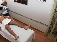 Fellow really likes the way massage gets mixed with fuck