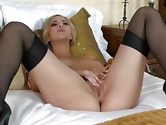 Gorgeous Sophia Knight torments her juicy moist pussy
