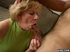 Featuring this unstoppable blonde oldy as she takes in the limelight ater a long time of cock scarcity and see how she grooves in to enjoy those two astounding cocks in one hell of a 3some that you won't dare to forget.