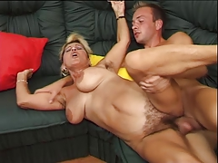 German shaggy mature is horny she fucks and squirt