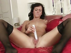 Tess Lyndon toy fucks her soaking wet cum-hole