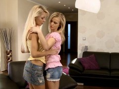 Beauties play lesbo games