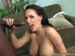 Jenna Presley gets her face plastered with hot cum